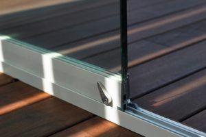 Schiebeelemente aus Glas oder Echtholz