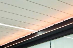Mit LED Beleuchtung, Soundsystem und Wärmemodulen