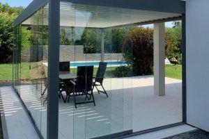 Renson Camargue mit Glas-Schiebelementen